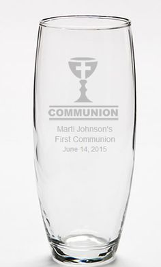 Communion Decorations Personalized Bud Vase Clear Glass Vases, Wine Glass, Communion Decorations, First Holy Communion, Vases Decor, Bud Vases, Ideas Para, Manualidades, Flower Vases