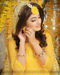 Fantastic Wedding Advice You Will Want To Share Bridal Mehndi Dresses, Pakistani Bridal Dresses, Pakistani Wedding Dresses, Bengali Wedding, Mehndi Outfit, Bridal Photoshoot, Bridal Pics, Haldi Ceremony, Mehndi Brides