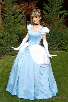 Cinderella | 31 Disney Costume Tutorials You Have To Try This Halloween