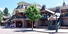Disneyland Paris Railroad Station #disney #disneyland #paris #dlp #railroad #station #train #themepark #thrillz