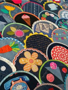 Blue Mountain Daisy: Happy As A Clam - Blogger's Quilt Festival