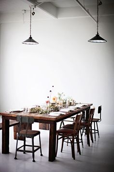 35 Inspiring Industrial Dining Rooms And Zones : 35 Inspiring Industrial Dining Rooms And Zones With Wooden Dining Table And Chair And Industrial Lamp Design