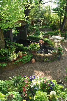 Australian Garden - Brick walled garden areas