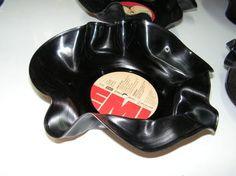 Try this on your old #vinyl: http://www.1-2-do.com/de/projekt/Schallplatten-Schuessel-Deko-/bastelanleitung/5089/