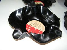 Try this on your old #vinyl: http://www.1-2-do.com/de/projekt/Schallplatten-Schuessel-Deko-/bastelanleitung/5089/