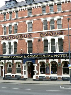 Victoria hotel, Leeds, George corson 7 bays, symmetrical, Italianate Gothic marble columns w foliate capitals to floor & entrance. Leeds Pubs, Leeds City, Marble Columns, West Yorkshire, Town Hall, Brewery, Great Places, Entrance, Deck