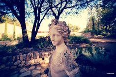 Buste de femme dans le domaine du château Fontainebleau  Woman bust in the Domaine of Château Fontainebleau  #sculpture #Calade #Provence