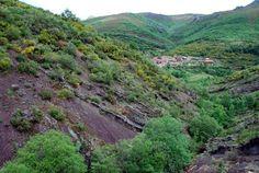En la población de Irede de Luna en el municipio de los Discordancia angular de Irede. Barrios de Luna, León se puede ver uno de los mejores ejemplos de la discordancia  entre materiales del Cámbrico y del Precámbrico