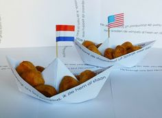Sinterklaas paper pepernoten boat. DIY this with plain white paper and write a sentence from Zie gids komt de stoomboot by hand.