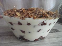 Angel cream, a recipe of the category desserts. More Thermomix ® recipes on www. Thermomix Desserts, No Cook Desserts, Cupcake Recipes, Dessert Recipes, Caramel, Pecan Recipes, Party Buffet, Chocolate Chip Cookie Dough, Eat Dessert First