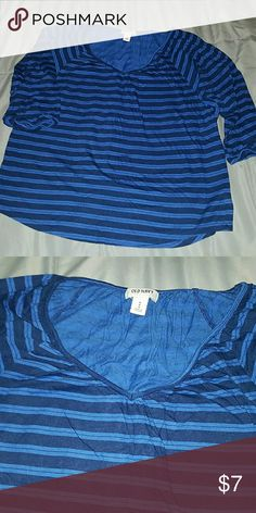 Cute Old Navy Flowy 3/4 Sleeve Top Size Medium EUC,  gently worn. Very cute and comfy, royal and be navy blue striped. Old Navy Tops Tees - Short Sleeve