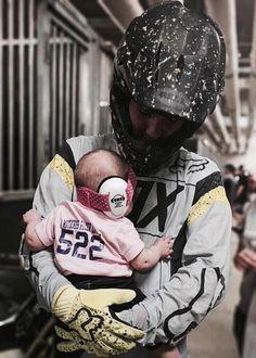 A Motocross Racer Loves Me Motocross Baby, Motocross Couple, Motocross Racer, Motorcross Bike, Dirt Bike Couple, Dirt Bike Girl, Moto Enduro, Oldschool, Riding Gear