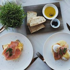 Sometimes we all deserve to be spoiled! Join us at New Hotel for the perfect Sunday brunch! Photo by @maria_nthnl