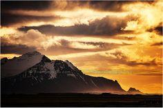 Gorgeous Iceland Sunset. #arisingimages #travel #photography #iceland #sunset #mountains
