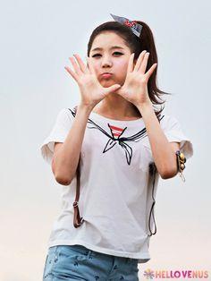 Hello Venus - Yooyoung - Like a Wave photoshoot
