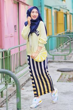 ) Featuring my new supercomfy and stylish Adidas ZX 700 Hijab Sport, Sports Hijab, Modest Outfits, Sport Outfits, Sport Fashion, Fitness Fashion, Hijab Hipster, Hijab Fashion, Fashion Outfits
