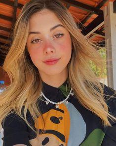 Selfies Poses, Multi Photo, Brazilian Girls, Aesthetic Girl, Youtubers, Hair Beauty, Teen, Hair Styles, Photo Tips