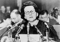 Rachel Louise Carson fue una divulgadora estadounidense que, a través de la publicación de Primavera silenciosa en 1962, contribuyó a la puesta en marcha de la moderna conciencia ambiental