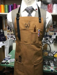 BARBER APRON China professional factory to provide you with the best appron appron Barber Shop Interior, Barber Shop Decor, Best Barber Shop, Barber Apron, Barbershop Design, Barber Supplies, Leather Apron, Barber Chair, Men In Uniform