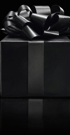 Black gift box wallpaper