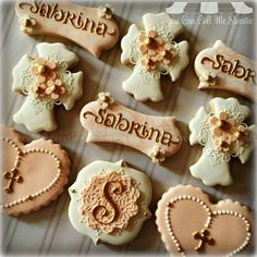 You Can Call Me Sweetie: Elegant First Communion decorated cookies.
