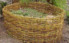 Takto může vypadat i váš proutěný kompostér.