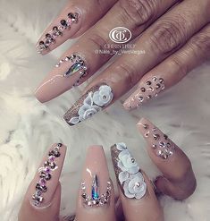 In search for some nail designs and ideas for the nails? Here's our list of 36 must-try coffin acrylic nails for fashionable women. Glam Nails, Fancy Nails, Bling Nails, Cute Nails, Pretty Nails, Jewel Nails, Fabulous Nails, Perfect Nails, Gorgeous Nails