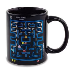 The Pac Man Heat Change Mug brings the retro arcade game to your morning cup of joe! Pour in some piping hot coffee and watch as the ghosts, pacman, fruit, and pellets appear!