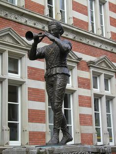 Here's the Pied Piper of Hameln - I was born just a few kilometers from where the story originates.