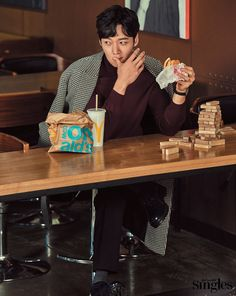 """Choi Jin Hyuk who starred in """"I Need Romance"""", """"Heirs"""" and """"Fated To Love You"""" spoke with Singles magazine about his upcoming drama, """"Tunnel"""" AND his… Jang Nara, Fated To Love You, Emergency Couple, Drama News, Handsome Asian Men, Choi Jin Hyuk, Korean Entertainment, The Heirs, Daddys Girl"""