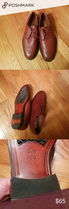 🆕Vintage Italian leather shoes 🆕Italian leather shoes, EU size 41 ( American 8) Amazing Italian quality, craftsmanship, soft leather, leather lined , never used. top side 2 zeta Shoes