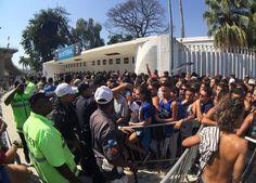 BotafogoDePrimeira: Dia de confusão e longas filas termina com 40.147 ...