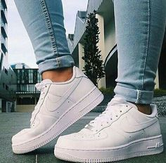 Best SHoes on shoes sneakers white nike adidas high tops nike high tops white nikes denim air… Nike Free Outfit, Nike Free Shoes, Nike Shoes Outlet, Nike Outfits, Cute Shoes, Women's Shoes, Me Too Shoes, Shoes Sneakers, Roshe Shoes