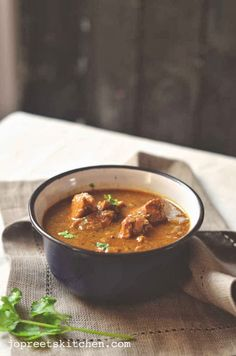 Indian Kitchen: Malvani Style Chicken Curry.uses 1 tsp coconut. No coconut milk.serves 2.can use cashew nut instead of coconut.