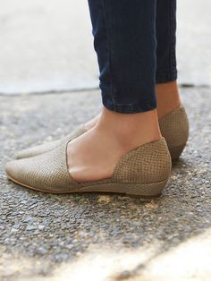 Free People Pebble Madison Flat, $128.00