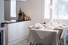 http://nohomewithoutyou.blogspot.fi/2013/12/winter-table-setting-talven-tunnelmaa.html