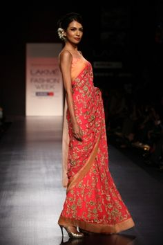 Indian Wedding Fashion by Manish Malhotra at Lakmé Fashion Week 2013 Lakme Fashion Week, India Fashion, Asian Fashion, Women's Fashion, Fashion Trends, Couture Mode, Couture Fashion, Indian Dresses, Indian Outfits