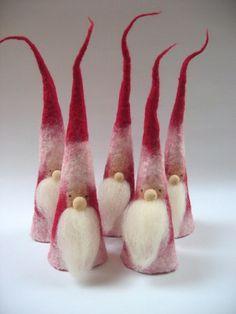 Filzarbeiten Christmas decoration - Santa Claus - a unique product by rosalia on DaWanda Bridesmaid Felt Christmas Decorations, Felt Christmas Ornaments, Handmade Christmas, Christmas Crafts, Needle Felting Tutorials, Felt Fairy, Needle Felted Animals, Felt Toys, Wet Felting