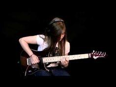 La pequeña francesa Tina S. de tan solo 15 años realizó este video donde toca con genialidad la afamada canción Comfortably Numb del reconocido grupo de rock Pink Floyd.