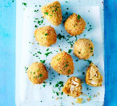 These little croquettes stuffed with chicken and spices are popular snacks served in bars all over Brazil. The name means 'little chicken thigh' in Portuguese because of their shape Brazil Food, Mozzarella Chicken, Bbc Good Food Recipes, Latest Recipe, Finger Foods, Pesto, Mad, Food And Drink, Appetizers