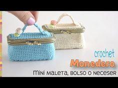 Wallet mini suitcase, bag or bag with brooch or crocheted nozzle / Weaving Peru Crochet Coin Purse, Crochet Purse Patterns, Crochet Purses, Crochet Stitches, Suitcase Bag, Wallet Tutorial, Macrame Bag, Crochet Handbags, Crochet Videos
