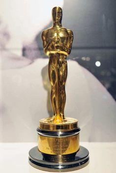 The collection of Elizabeth Taylor - Los Angeles Times Academy Award Winners, Oscar Winners, Academy Awards, Elizabeth Taylor, Classical Hollywood Cinema, Hollywood Icons, Best Actress Oscar, Oscar Night, Dream Career