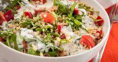 A saláták a fogyókúrás étrend nélkülözhetetlen elemei. Persze nem mindegy, hogy készítjük el őket! Thing 1, Kefir, Cobb Salad, Potato Salad, Diet Recipes, Grains, Food And Drink, Rice, Meat