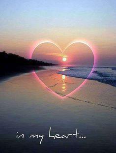 d8bb1e08f4af38aa899f1fbeec53d6e8--beach-stuff-beautiful-sunset