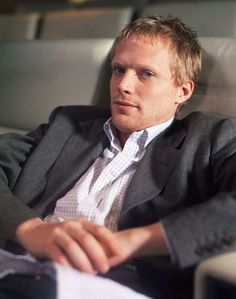 Paul Bettany - I'm not such a big fan of blond guys... but ... YOU KNOW! ;)