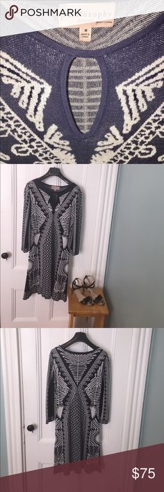 Philosophy knitted navy blue/white sweater dress Classy knitted navy and white Philosophy dress with flattering knit design. (Size M) Great condition, from clean and non-smoking home. Philosophy Dresses Long Sleeve