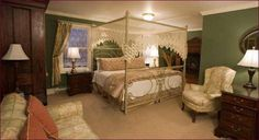 Victorian Ladies Inn Newport (Rhode Island) Centrally located in the charming town of Newport, Rhode Island, this bed and breakfast offers elegant accommodations, beautiful on-site gardens and is within walking distance to the harbor and beaches.