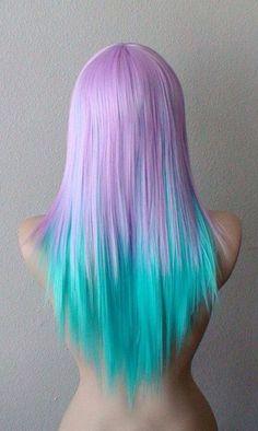 Dégradé mauve turquoise sur cheveux lisses