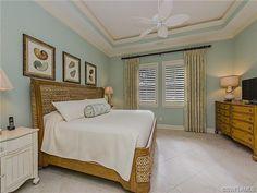 Coastal blue bedroom - seagrass bed
