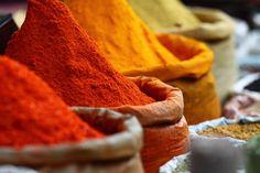#Marokon maustemarkkinoilta löydät aitoja makuja. Hyvä ruoan salaisuus ovat happaman ja makean oikea suhde, kiinnostavat mausteyhdistelmät ja kiireetön hauduttaminen. #Aurinkomatkat